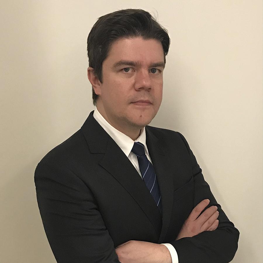 Dr. Carlos Henrique